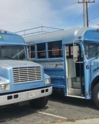 İki kafadar bakın bu otobüsü ne hale getiriyor!